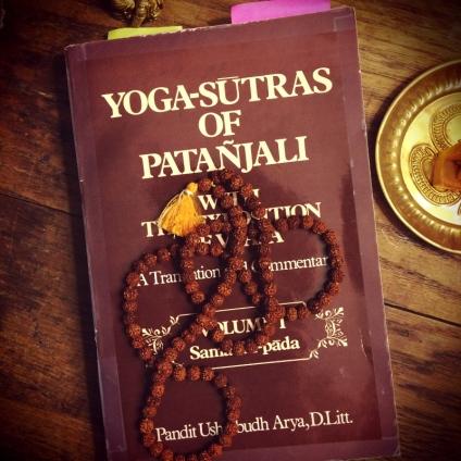 Yoga-Sutras-and-Mala