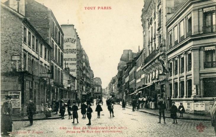 1335334856-tout-paris-rue-de-vaugirard-800x509