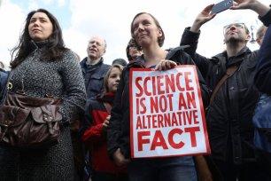 Bilim alternatif bir gerçeklik değildir (gündelik dilde aynı zamanda zırva olarak kullanılıyor)
