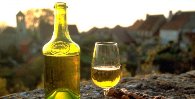 29474-650x330-vin-jaune-2