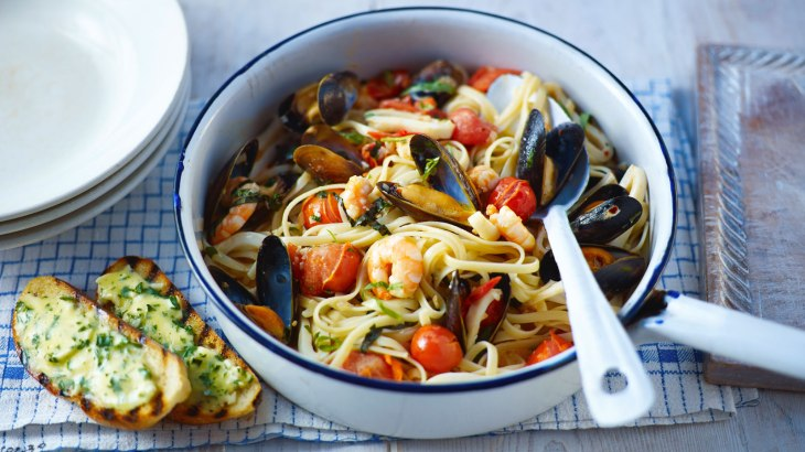 seafood_pasta_with_73534_16x9